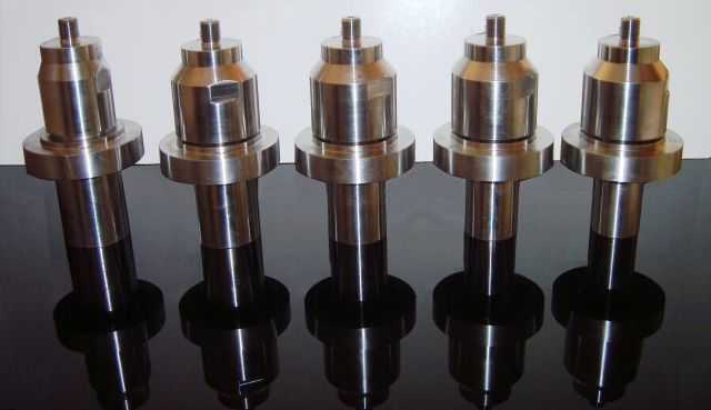 Ultrasonic titanium booster solid mount 20 kHz